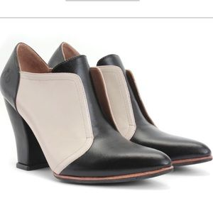 NEW John Fluevog Leather Danni Slip On Block Heel